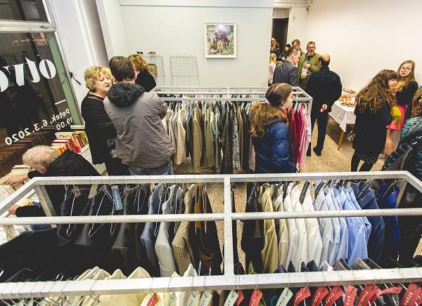 Otvoritev je obiskalo veliko posameznikov, ki so čas po uradnem delu izkoristili za prve nakupe. Sodelavci projekta #LIST (Litijski inkubator za skupnost in trajnost) so bili tega veseli.